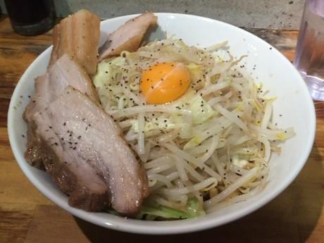 【秋葉原】麺処マゼル(MAZERU) の「肉増しまぜそば」はハラペコ御用達の一品